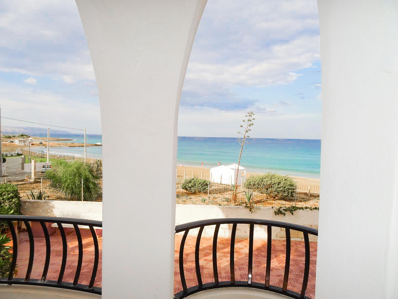 Villa Chiara by the sea with private beach